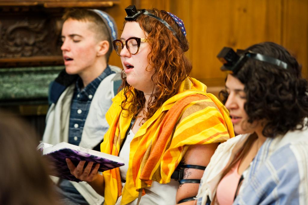 From left to right: Rory Schonning, RRC student, Rabbi Ariana Katz, '18, and Rabbi Emily Cohen, '18. Photographer: Jordan Cassway.
